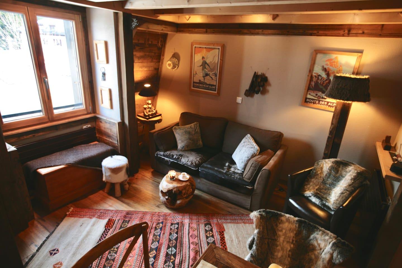 Charmant Duplex Tout En Vieux Bois Hyper Centre Apartments For  # Living Salon Bois Emplacement Tv