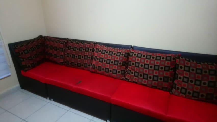 sofa  para descansar una noche!