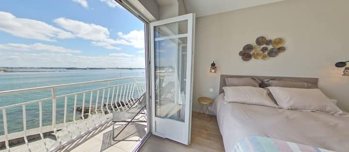 RARE! Stunning view on the sea from 3 balconies