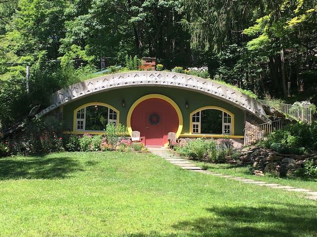 Hobbit House of Pawling