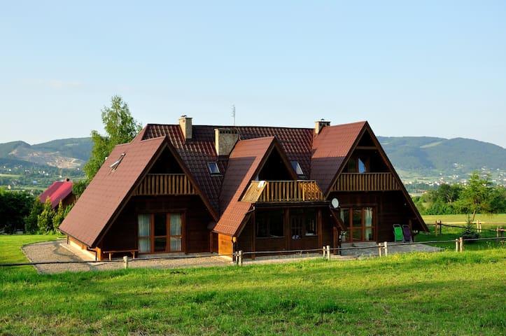 Chata z klimatem+jazda konna: pokój Leśny 4 osoby