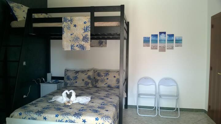 """Private room """"The Shell"""", Porto Cesareo"""