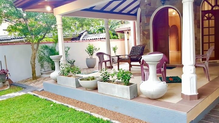 privat Zimmer ,20€,2km Strand & Baden DZ,Srilanka