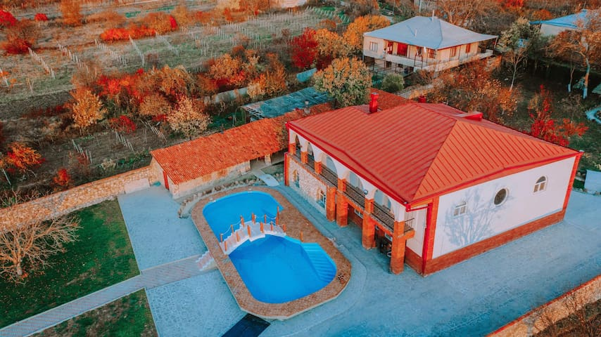 Modern cottage in the Village khashmi, 30km fromTb