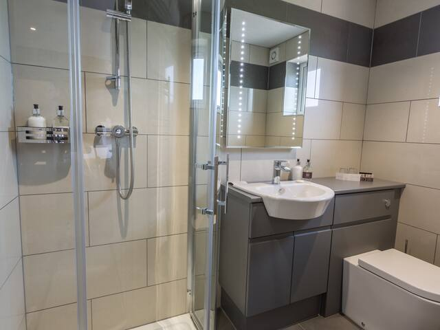 Banks Bathroom