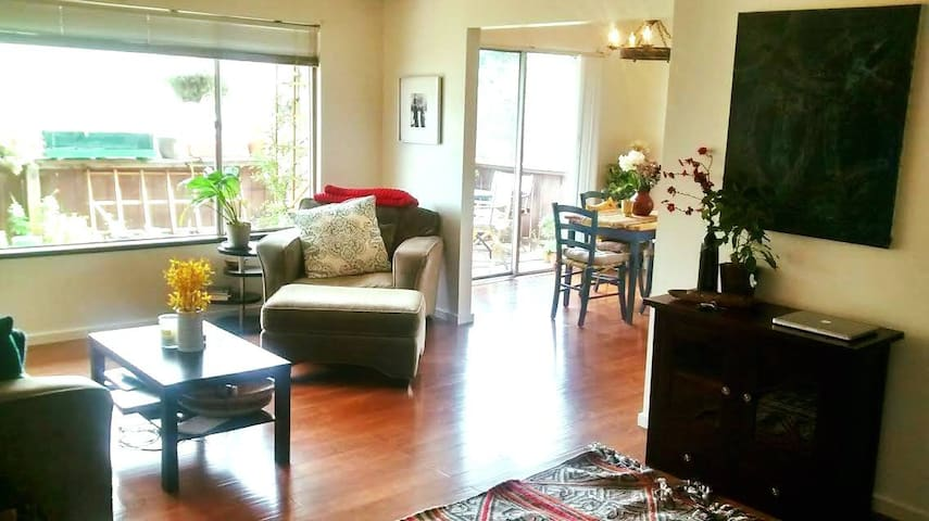 Walk to historic town square and wineries! - Sonoma - Apartment