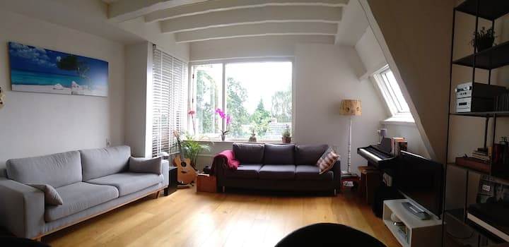 Great private apartment, Centrally situated 1-4(6)
