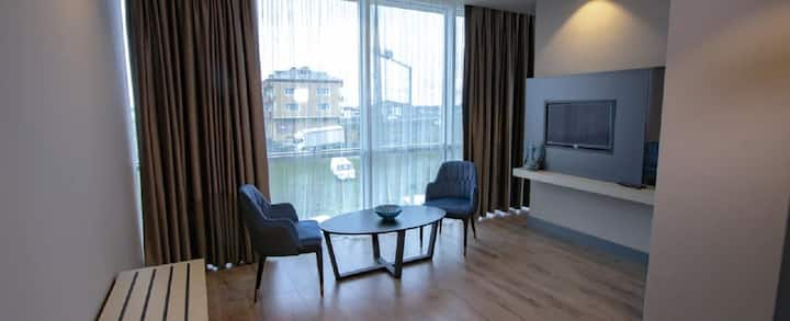 Menalo Suites Express Istanbul Airport Suit Room