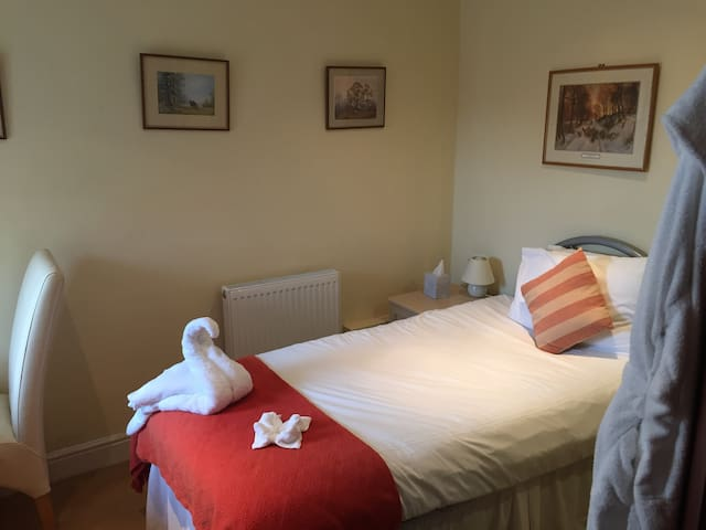 Rest and Be Thankful Inn Exmoor Room 6 - Wheddon Cross - 家庭式旅館