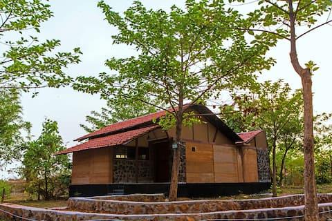 Villa with Private  Pool in Bandhavgarh
