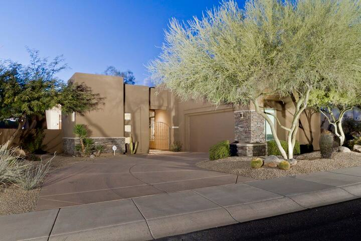 Desert Rose - Stunning Private Troon North Home on Golfcourse with 2 bds + den