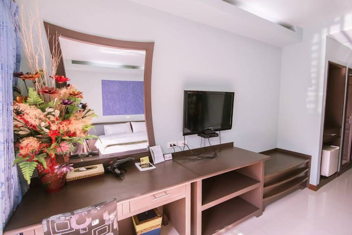 King bed with breakfast, gym and pool - Mueang Chiang Rai - Penzion (B&B)