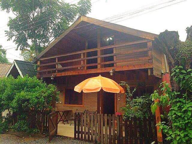 Chalé em Atibaia - Atibaia - House