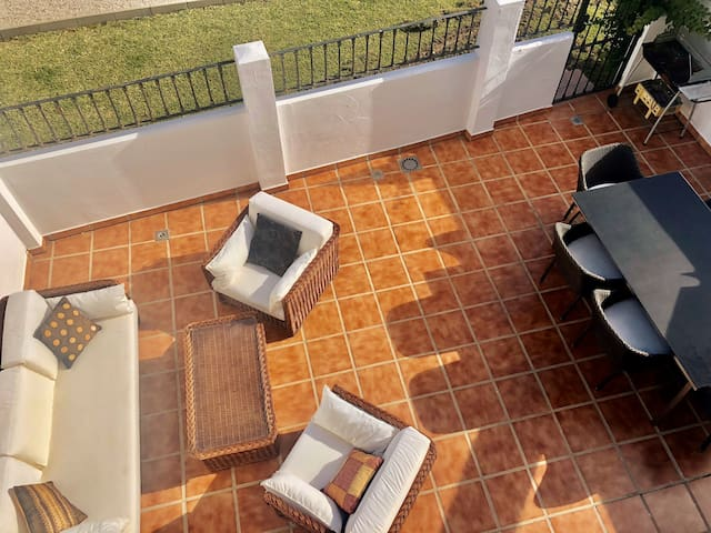 WONDERFUL TOWNHOUSE/PUERTO BANUS, MARBELLA