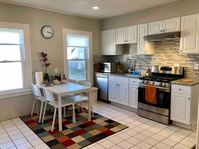 Clean | Renovated | Washer—Dryer—2BR—Free Parking
