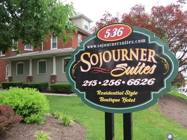 The Sojourner is a Victorian Estate - Harleysville - อพาร์ทเมนท์