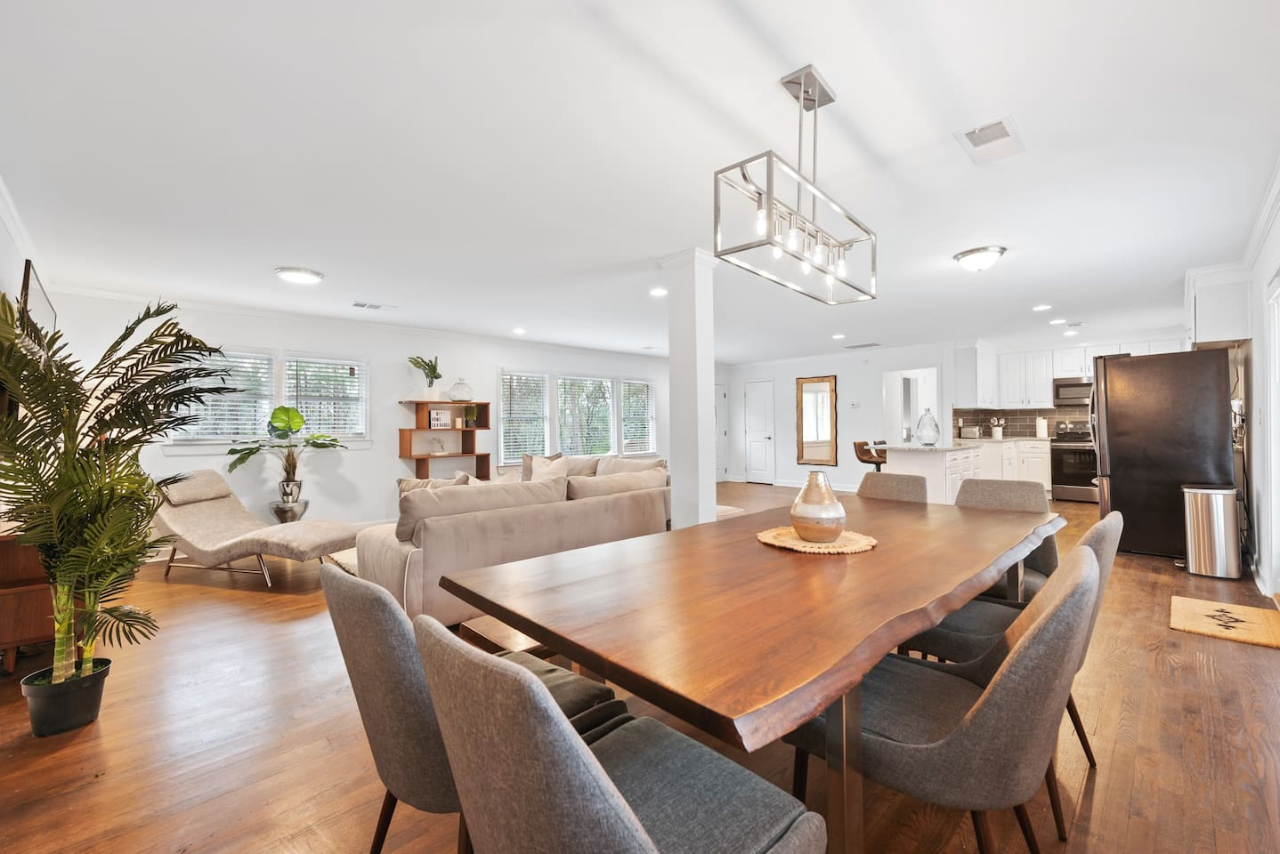 Spacious living areas, dining area shown- all furniture brand new