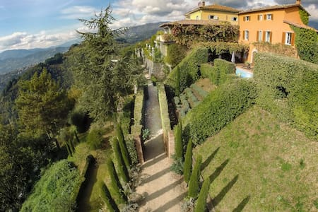 Tuscany -fantastic 360 degree views - Coreglia Antelminelli - Villa