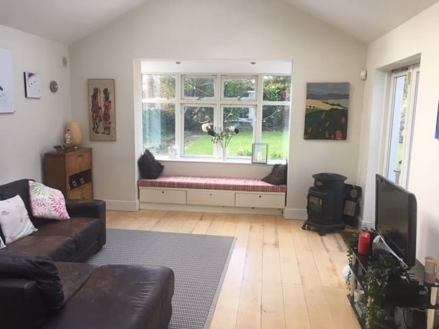 Large single  Blackrock (2 other rooms available 2