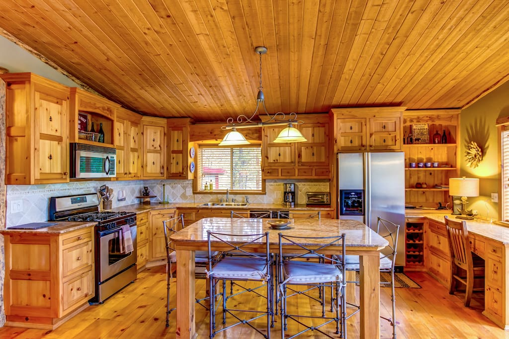 Great kitchen space equipped with all necessities