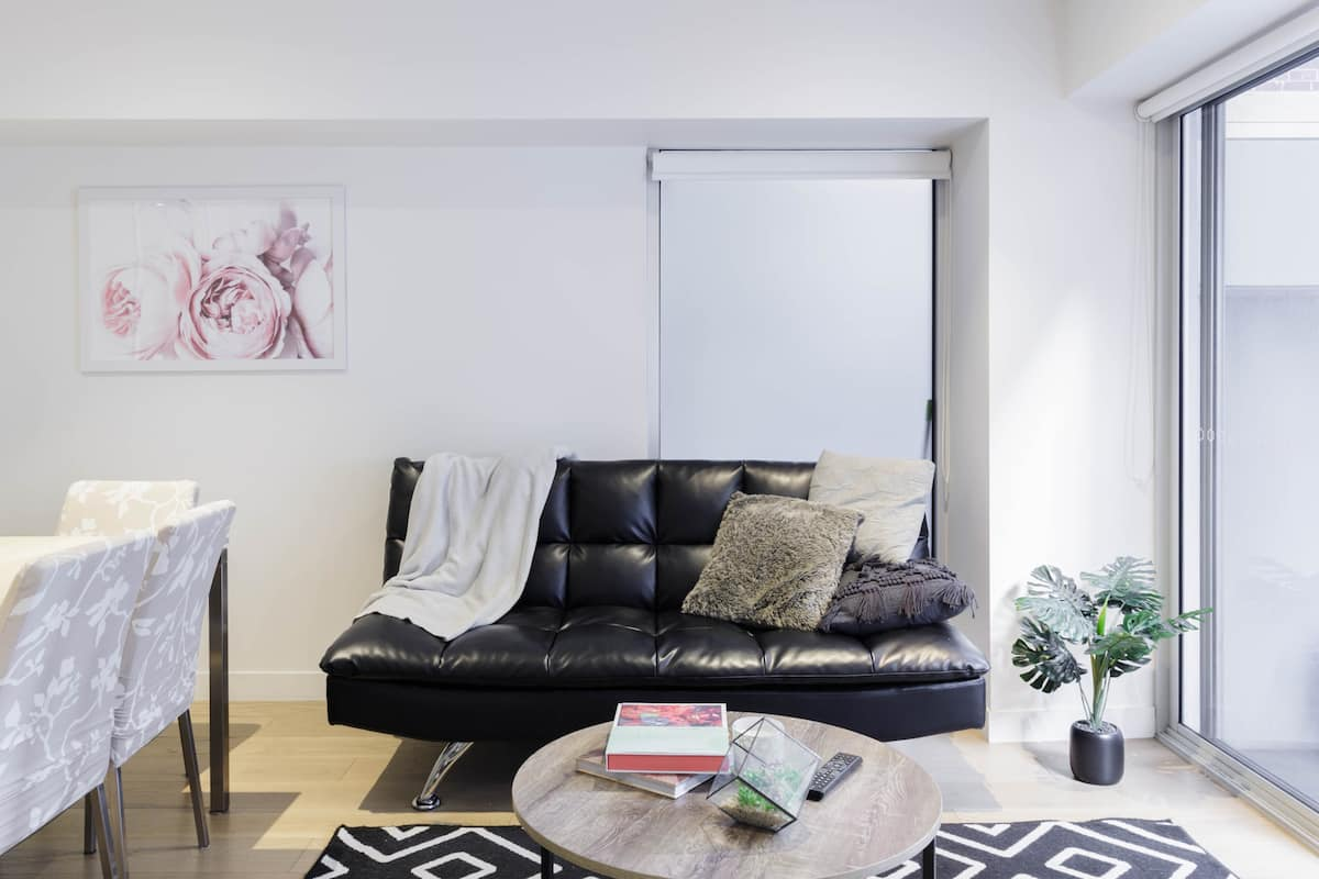 Spacious CBD Apartment Right in the Heart of Melbourne