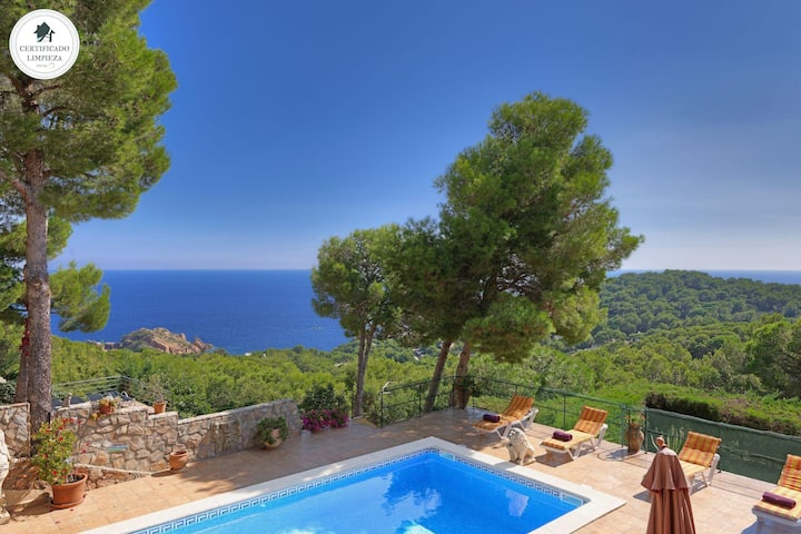 PATIO DE LOS GATOS -villa with sea views and private pool-Tamariu-Costa Brava