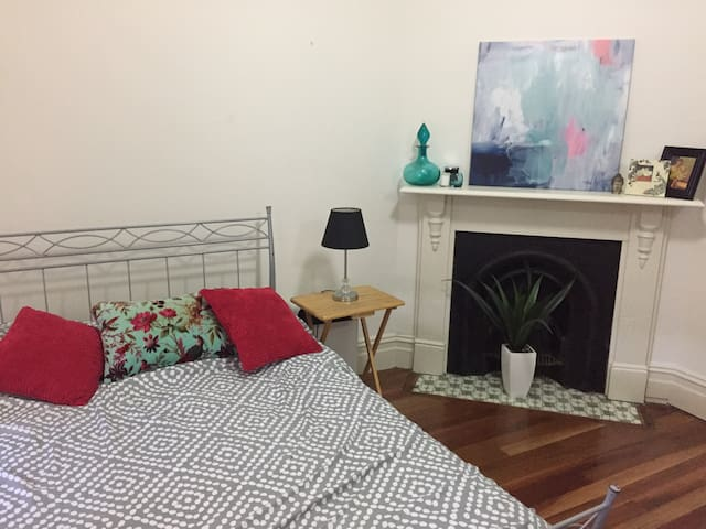 C+P's Spacious Spare Room - Marrickville