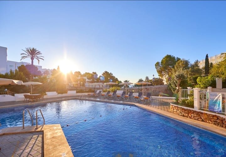 Holiday Apartment 'CalaGran 1 Gavimarhotels' with Wi-Fi, Balcony, Shared Garden & Pool; Parking Available