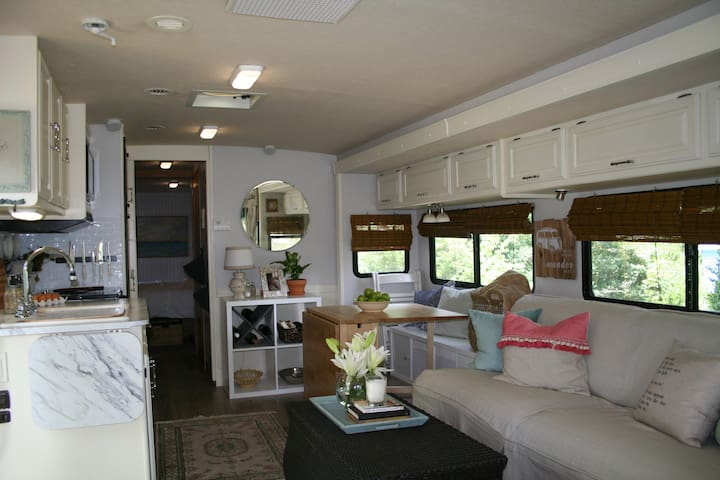 """Winnie"" - your comfy and cozy home away from home"
