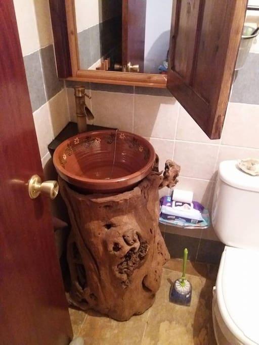 detalle lavabo baño