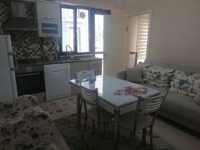Quiet place close to the market&uni for girls only