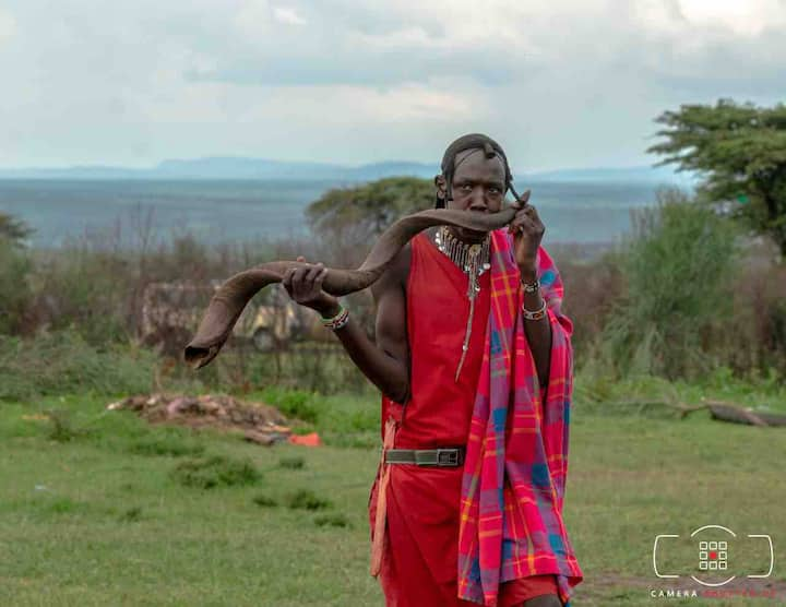 Stay with the local Masai