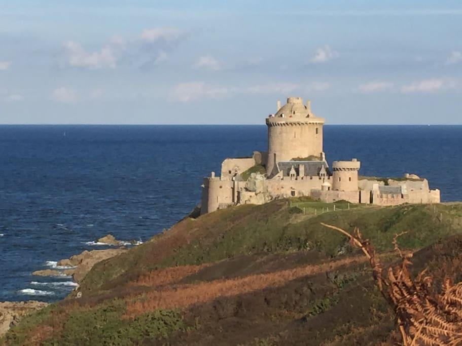 Fort LaLatte a 300m de la maison