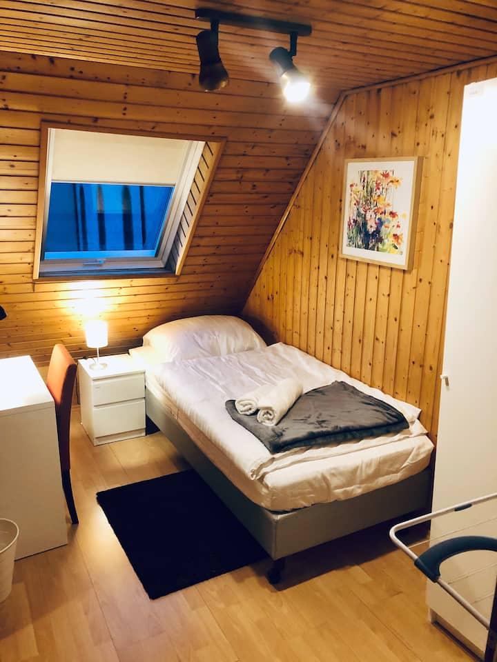 Einzelzimmer für Ferien- / Geschäftsreisende