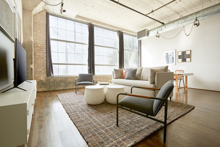 Sonder | The Hogg Palace | Airy 1BR + Gym