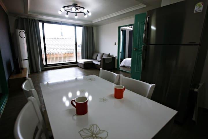 Cozy modern singlefamily home located on the beach