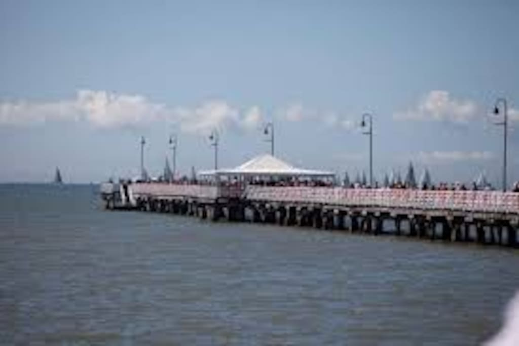 Shorncliffe Pier walking distance from accommodation