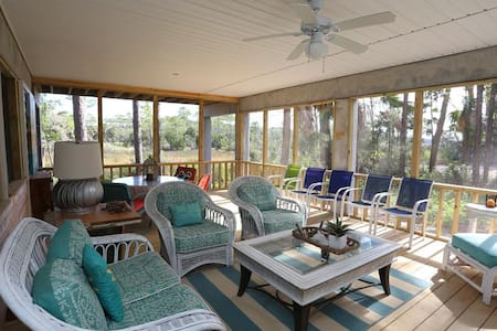 Lagoon View, Near Indian Pass Raw Bar, Built 2018, Community Pool ~ Rehoboth Cottage