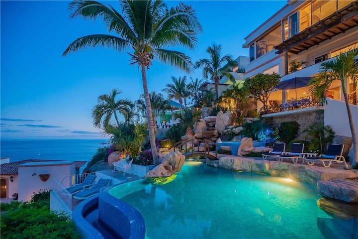 Pacific Ocean Views & Infinity Pool: Villa Miramar