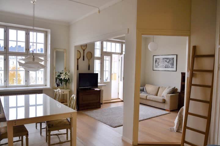 Stylistic Two Room Flat in Helsinki Töölö (45m2)