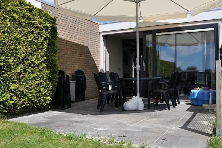 Vakantiehuis Sprakeloos, Friese Meren gebied.6pers