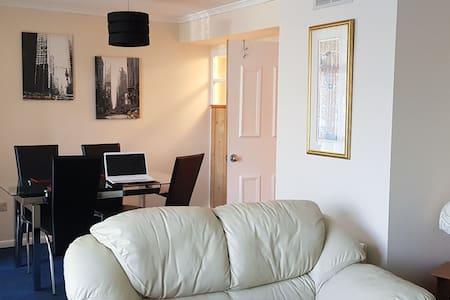2 bedroom ground floor flat in popular Emsworth