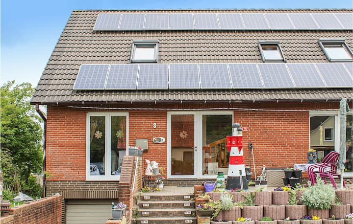 Nice home in Wurster Nordseeküste with WiFi and 2 Bedrooms