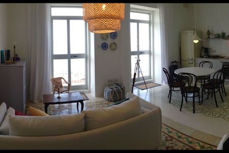 Town house in Senglea with sea view