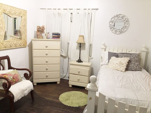 Two Rooms in Silverlake, Atwater Village, LA