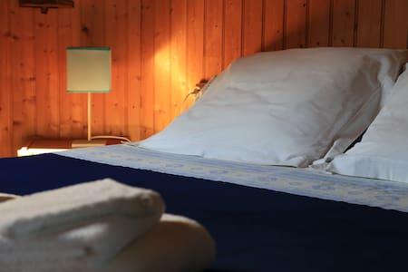 Chambres d'hôtes à Lamourio - chambre bleue