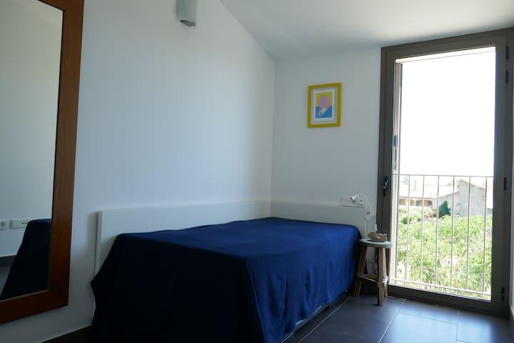 Habitación individual de uso doble - Single bedroom can become a twin bedroom