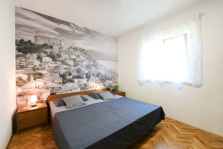 Charming renovated apartment_next to the sea 2+1