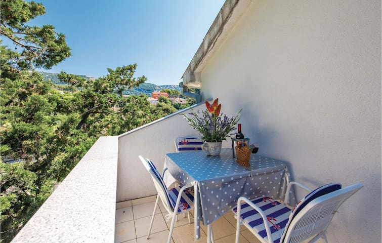Holiday apartment with 1 bedroom on 36m² in Banjol