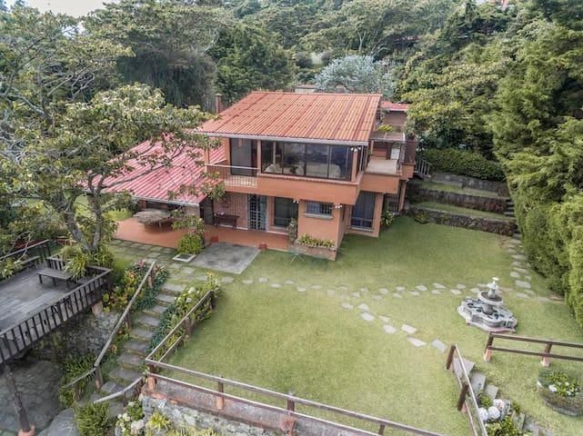 Casa Avila - San Salvador - Casa